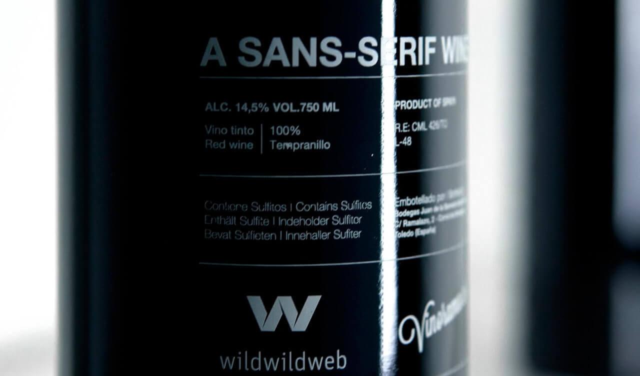 Detalles de la botella de Helvetica Wine