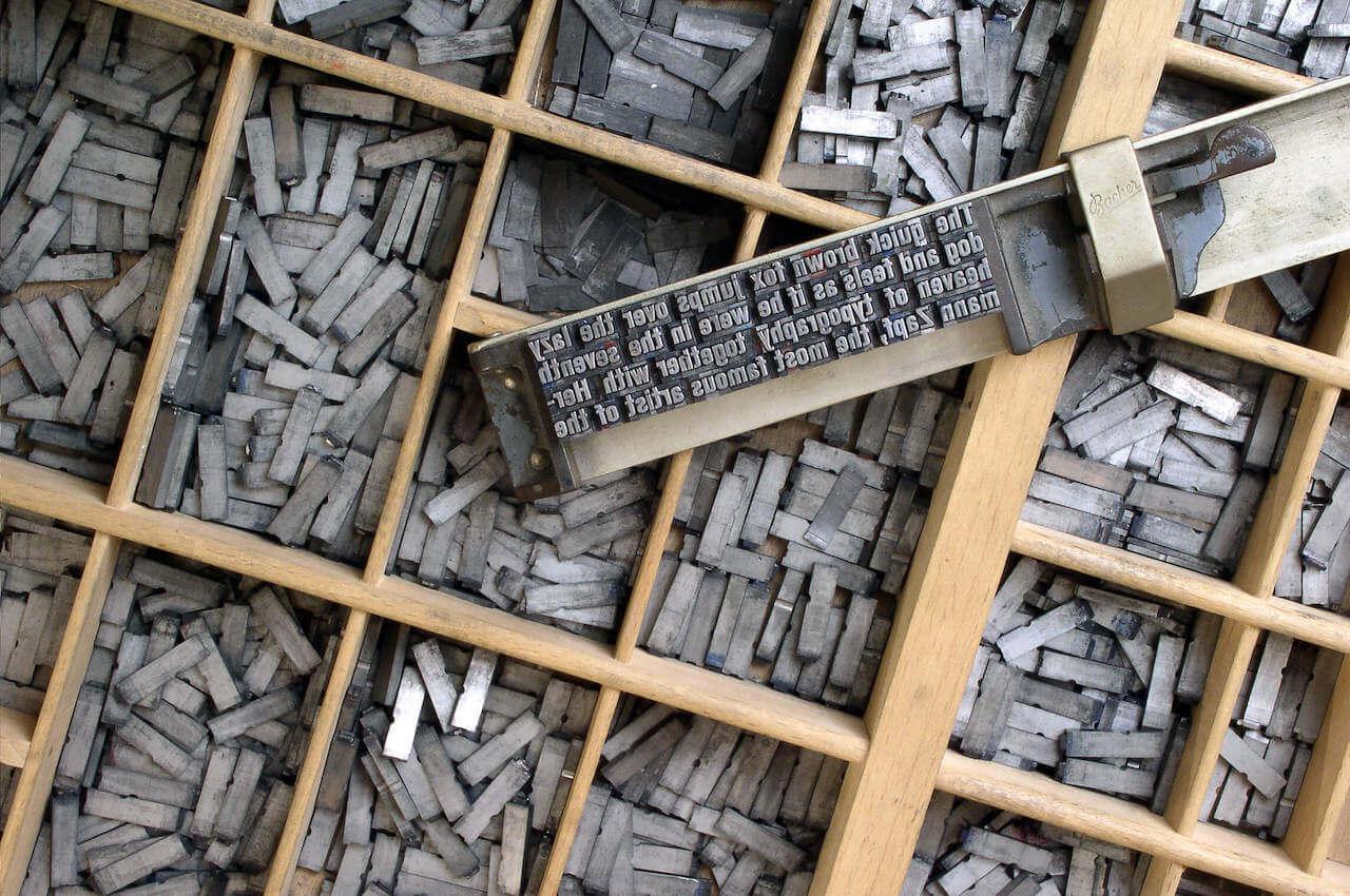 Tipografía movible de Helvetica Wine