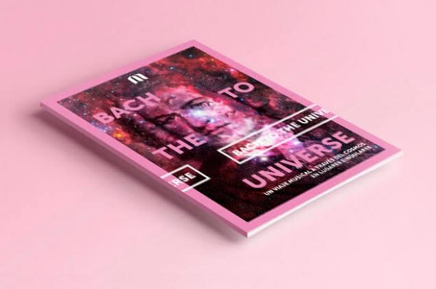 Fotografía de la portada del libreto de Bach to the universe
