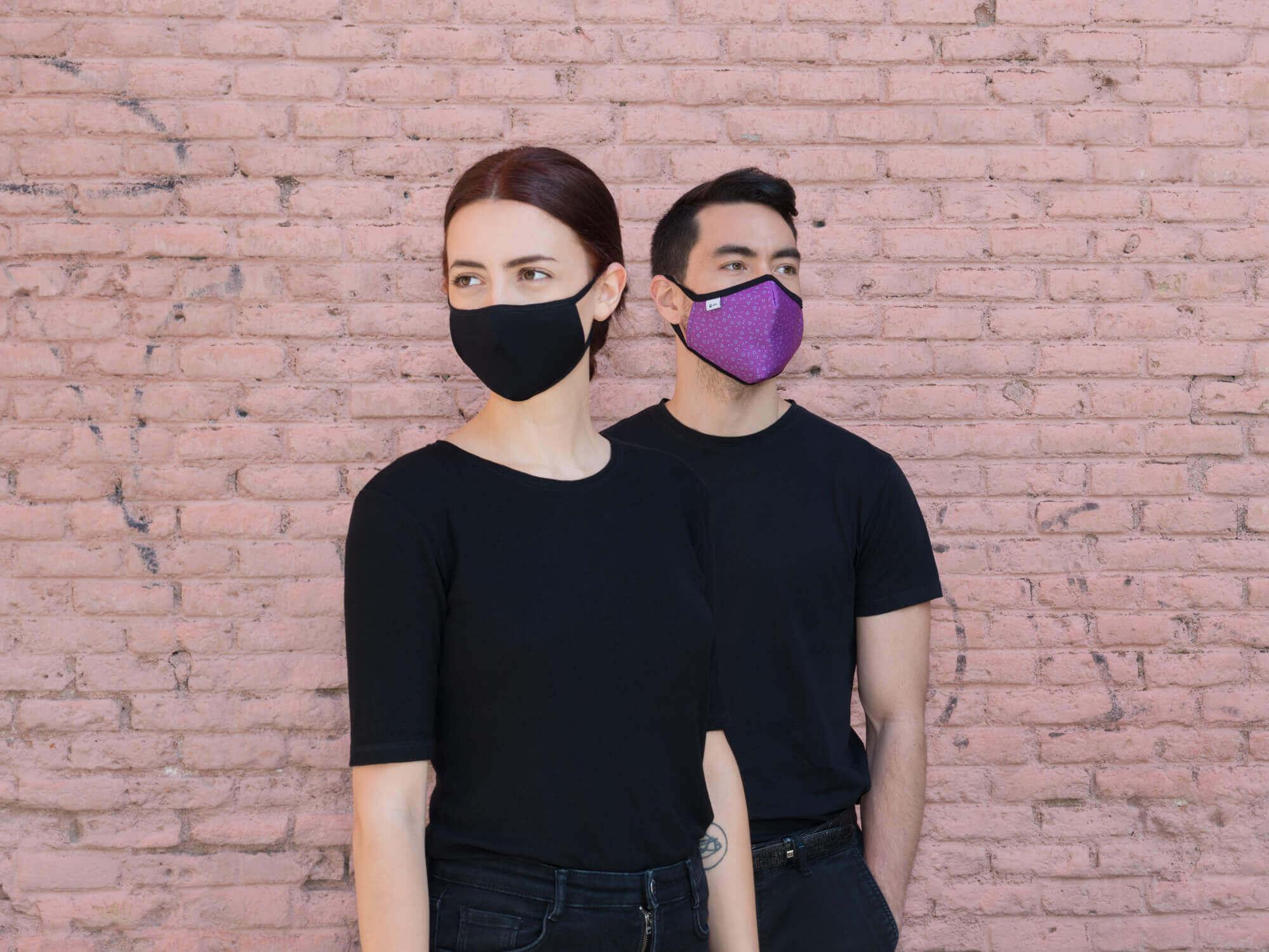 Modelos con mascarilla para hombre y mujer Lanzarote y Chiang Mai