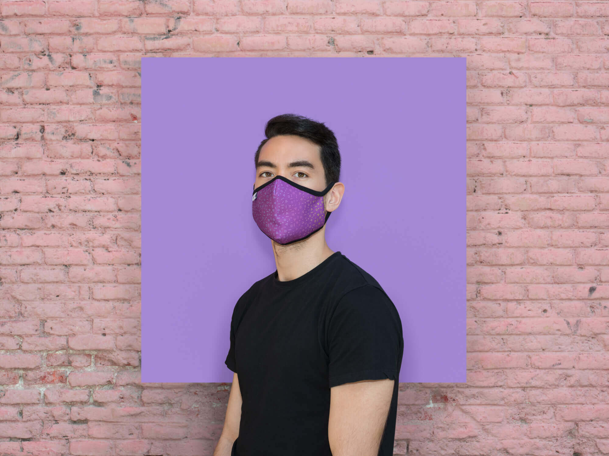 Modelo con mascarilla higiénica Chiang Mai
