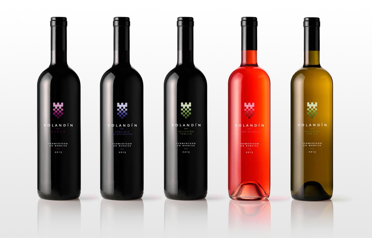 Fotografía de las cinco botellas de Volandín